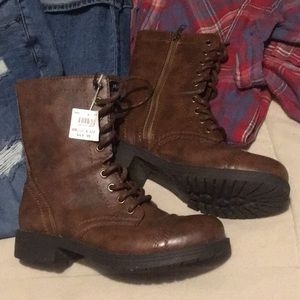 Brown combat military style boots 6.5